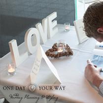 17cm-LOVE-sign